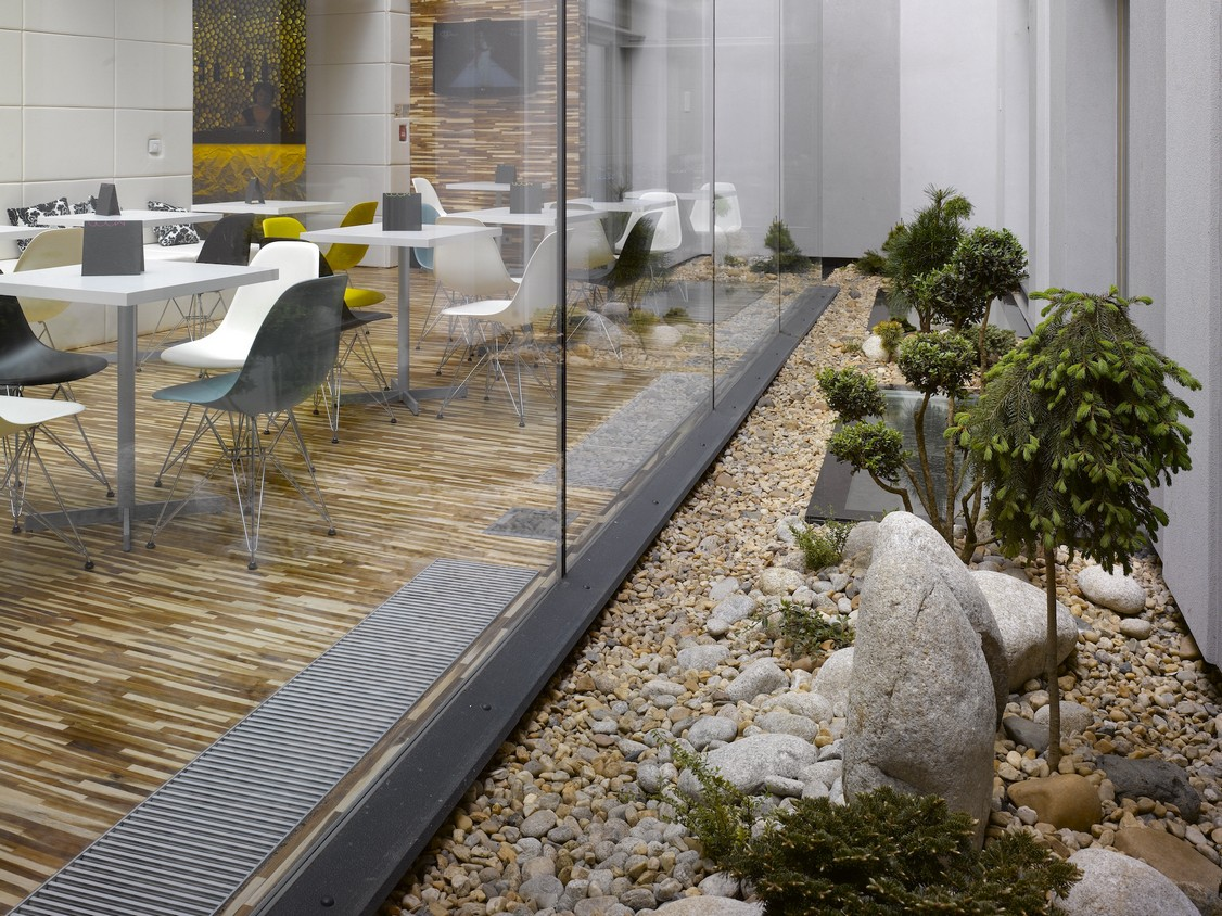 moods-boutique-hotel-garden1
